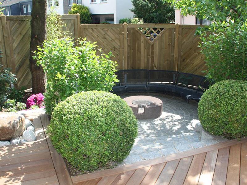 Sorgfaeltige Planung fuer Ihren Themengarten